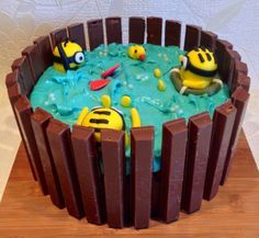 minion cakes | Minion Hot Tub Cake. Video Recipe: Foodtastic DIY