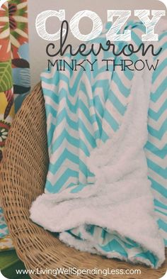 How to Make a Chevron Minky Throw Trying to stay warm this winter? This soft & stylish throw is a snap to make and so comfy and soft that each member of your family will want their ver. Sewing Hacks, Sewing Tutorials, Sewing Crafts, Sewing Ideas, Sewing Tips, Diy Ombre, Diy Monogramm, Kleidung Design, Do It Yourself Baby