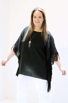 Túnica Lenço Franja  Túnica lenço em chiffon com franja lateral e decote canoa #tunicaplussize #plussize #modaplussize #modaplussizebrasil #mulherplussize #mulheresplussize #tamanhogrande #vickttoriavick #modaplussizebr #plussizebrasil #plussizefashion #modagg #moda #fashion #feitonobrasil #plussizes #plussizebr #gordinhasdobrasil #modafemininaplussize #somosplussize #lojaplussize #lojafeminina #mulheresreais