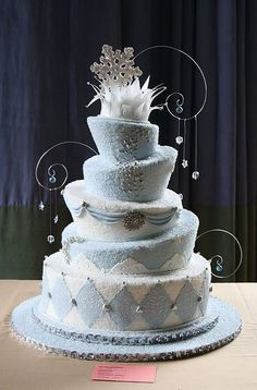 Winter Wonderland Wedding Cake this is my entry for NY cake competition, I have covered it with sugar to make it look like ice, I have used. Creative Wedding Cakes, Beautiful Wedding Cakes, Gorgeous Cakes, Pretty Cakes, Amazing Cakes, Whimsical Wedding, Cake Wrecks, Frozen Wedding Theme, Blue Wedding