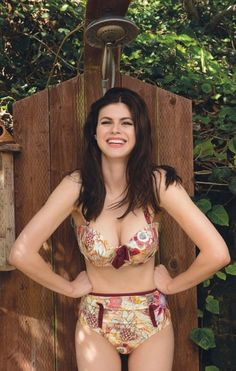 Photos of Sexy Alexandra Daddario. Nude photos of Alexandra Daddario you can find here. Alexandra Daddario is a popular 31 year old blue eyed and extremely big Hollywood Celebrities, Hollywood Actresses, Disney Actresses, Hollywood Gossip, Female Actresses, English Actresses, Indian Actresses, Alexandra Anna Daddario, Alexandra Daddario True Detective