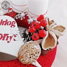 """Zimankó a télikertben"" adventi koszorú Gingerbread Cookies, Advent, Cake, Desserts, Food, Gingerbread Cupcakes, Tailgate Desserts, Deserts, Kuchen"