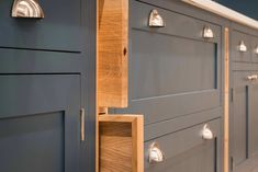 Small Kitchen Storage Tips, Solutions & Advice Kitchen Cupboard Storage, Shaker Kitchen Cabinets, Shaker Style Cabinets, Small Kitchen Storage, Modern Shaker Kitchen, Simple Kitchen Design, Shaker Style Kitchens, House And Home Magazine, Advice
