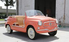 oh my gosh this would be the cutest car to drive away from your reception in ❤