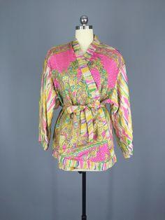 Vintage Gold & Pink Silk Sari Kimono Jacket #vintagesari #sari #sarikimono #kimono #kimonocardigan #kimonojacket #loungewear #indiansari #indiancollection #wedding #beltedjacket #beltedcardigan #cardi #silk #silksari #silk