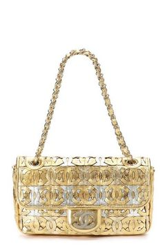 Got to love chanel! Vintage Chanel Limited Edition Metallic Gold and Silver CC Logo Flap Bag Chanel Purse, Chanel Jewelry, Chanel Handbags, Purses And Handbags, Chanel Bags, Moda Chanel, Trajes Kylie Jenner, Wholesale Handbags, Chanel Couture