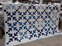 beautiful blue  white quilt from ONE LOOSE THREAD