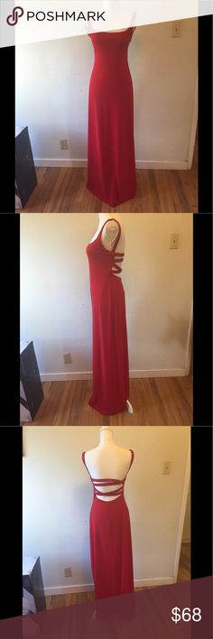 Laundry red long dress size 8 Gorgeous! This dress has been sitting unworn in my closet my years. It doesn't fit me, it's a size 8 but runs small (IMO). Could use a dry cleaning. Laundry By Shelli Segal Dresses Prom