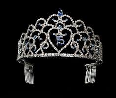 era Sweet 15 Pink Princess Tiara in Silver 252 Wedding Jewelry Sets, Jewelry Party, Bridal Jewelry, Quinceanera Tiaras, Fairytale Bridal, Princess Tiara, Sweet 15, Bridal Tiara, Bridal Accessories