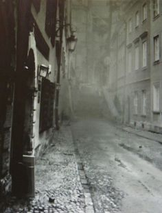 This is what the city of London looked like around the time Dr. Jekyll and Mr Hyde was written. The city of London is the setting of the book.