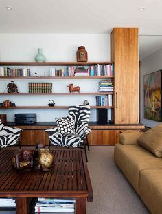 Gallery Of Elms House By Stuart Tanner Architects Local Australian Bespoke Residential Interiors Tasmania Image 19 Diy Interior, Interior Architecture, Interior Decorating, Interior Design, Living Room Remodel, Home Living Room, Living Spaces, Decoration Chic, Living Room Accessories