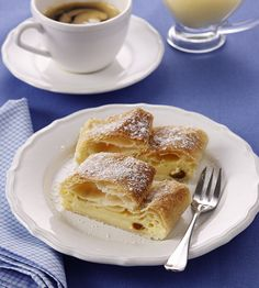 für 2 Strudel: Homemade Gifts, Just Desserts, Apple Pie, Sweet Tooth, Pancakes, French Toast, Goodies, Sweets, Snacks