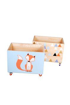 Deux Coffres à jouets mobiles fabriqué et peint à la main par NOBOBOBO sur Etsy https://www.etsy.com/fr/listing/216276537/deux-coffres-a-jouets-mobiles-fabrique