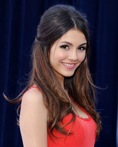 Beauty Much More Volatile Victoria Justice ____ Touch here for Free Webcams/Chat Vicky Justice, Celebrity Magazines, Young Models, Hollywood Actresses, American Actress, Beautiful Women, Long Hair Styles, Celebrities, Sexy