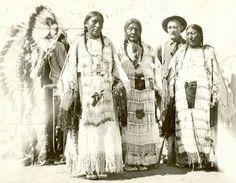 Dakota women. 1915.