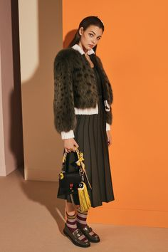 Fendi - Pre-Fall 2017. ~ LOVE IT ALL—Except, WITHOUT the REAL FUR⚠️—➕{❤️↔️}+++❣️❣️❣️➕❣️