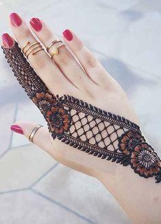 Easy Mehndi Designs You Must Try in 2019 - Mehndi Designs - Henna Designs Hand Back Hand Mehndi Designs, Henna Art Designs, Mehndi Designs For Girls, Stylish Mehndi Designs, Mehndi Designs For Fingers, Wedding Mehndi Designs, Mehndi Design Pictures, Latest Mehndi Designs, Mehndi Images