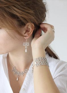 tatted jewelry set necklace and earrings in pearl gray by smaks