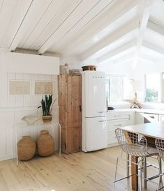 What A Cute Vintage Fridge Touch Of Simple Kitchen Decor Interior