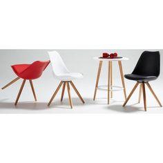 De Lars is een van de hipste stoelen uit de collectie van LaForma! Deze unieke stoel is wordt gekenmerkt door de combinatie van hout en polypropyleen. Er zijn zes verschillende uitvoeringen van de Lars: geel, licht blauw, rood, wit, zwart en grijs. Bepaal dan ook zelf welke sfeervolle kleur het beste bij uw interieur past!