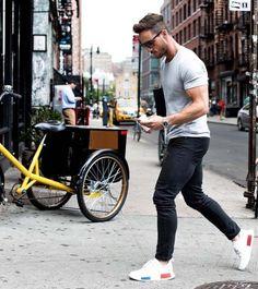 urban dressing // city boys // urban men // mens fashion // watches // sun glasses // modern gadgets // city style // watches //