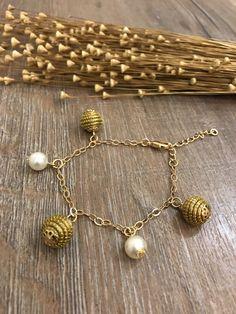 Golden Grass Shell Pearl Bracelet