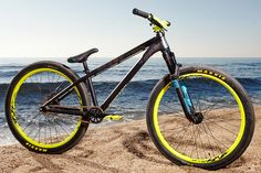 Canyon just got a place in my heart for building this beautiful frame. It's call the stitched and it is build with help of free ride team members from canyon. Dirt Jumper, Dirt Bicycle, Mtb Bike, Moutain Bike, Mountain Biking, Barcelona Beach, Dirtbikes, Dirt Biking, Trade Show