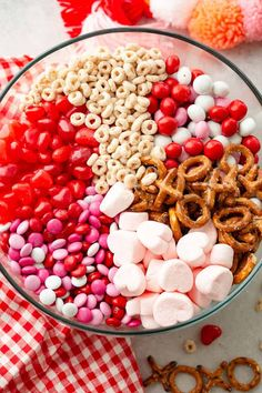 80 Healthy Valentines Snacks for kids that are Perfect for Valentine's Day Classroom Parties - Hike n Dip Valentine Snack Mix Recipe, Valentines Healthy Snacks, Valentines Day Treats, Valentine Party, Valentine Desserts, Kids Valentines, Valentine Decorations, Valentine's Day Quotes, Quick Snacks For Kids