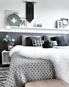 A room should never allow the eye to settle in one place. It should smile at you and create fantasy home decor decoration salon decoration interieur maison Romantic Home Decor, Bedroom Paint Colors Master, Sleeping Room, Master Bedroom, Bedroom Inspirations, Bedding Inspiration, Bed, Relaxing Bedroom, Bedroom