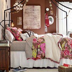 chambre fille originale avec meubles et déco de style vintage