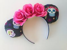 Hey, I found this really awesome Etsy listing at https://www.etsy.com/listing/220033208/dis-de-los-muertos-day-of-the-dead-sugar Disney Minnie Mouse Ears, Minnie Mouse Halloween, Diy Disney Ears, Disney Halloween, Mickey Ears, Halloween 2015, Halloween Makeup, Halloween Costumes, Mickey Wreath