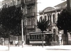 Avenue of the Republic in the early years of the twentieth century. Electric car near the corner with the Praça Duque de Saldanha.
