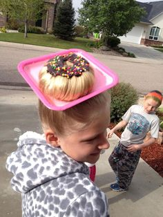 20 of the Most Creative Kids Hair Styles That Are Just Perfect for Crazy Hair Day at School Crazy Hat Day, Crazy Hats, Crazy Hair For Kids, Crazy Hair Day At School, Crazy Girls, Crazy Hair Day For Teachers, School Hair, Wacky Hair Days, Cute Girls Hairstyles