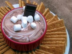 Smores Dip: oz bag milk chocolate chips, 14 oz can sweetened condensed milk, 7 oz marshmallow fluff, graham cracker sticks Just Desserts, Delicious Desserts, Yummy Food, Dessert Dips, Dessert Recipes, Dessert Healthy, Yummy Recipes, Recipies, Dip Recipes