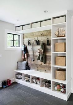 Mudroom Ideas - DIY Rustic Farmhouse Mudroom Decor, Storage and Mud Room Designs We Love Style At Home, Country Style Homes, Cottage Style, Mudroom Cubbies, Mudroom Laundry Room, Mudroom Benches, Closet Mudroom, Entryway Closet, Ikea Closet