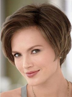 Short Hairstyles for women over 40 with oval faces