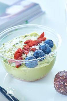Prueba nuestra irresistible tarta de #aguacate y #limon , verás cómo te enamorará   #BeBoJuicers #Desayunos #Saludable #vegan #ColdPress #Detox #Diet