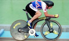 Chris Boardman in Superman position for the hour record