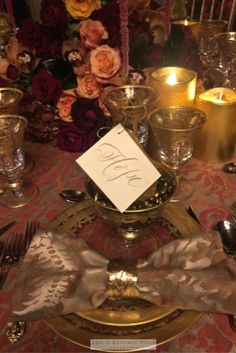 Midland, Texas based interior designer, Leslie Hendrix Wood's tablesetting for the American Cancer Society's Hope Lodge NYC benefit gala, December, 2016.