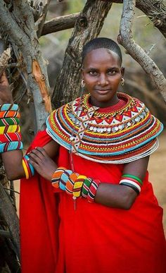 Ethnic fashion and adornment: Kenya (Portrait Of A Rendille Tribeswoman, Marsabit District, Ngurunit, Kenya. African Inspired Fashion, Ethnic Fashion, African Fashion, African Tribes, African Women, Black Is Beautiful, Beautiful People, Style Africain, Style Ethnique