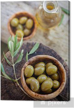 swieze oliwki - Google Search Olive Oil, Raw Restaurant, Olive Plant, Black Bowl, Vegetarian, Tasty, Homemade, Wooden Background, Rustic