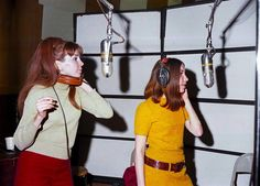 Lani Hall and Brazilian singer Bibi Vogel with the group Sergio Mendes and Brasil '66 record at United Western Recorders studios on March 3, 1967 in Los angeles, California.