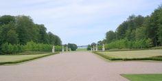 Fredensborg Slot nord for København - Barok og romantisk anlæg
