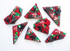 christmas candy bark. definitely making this.