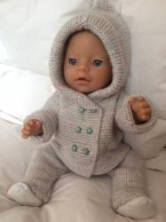 New baby crochet cardigan doll clothes Ideas Baby Born Clothes, Bitty Baby Clothes, Preemie Clothes, Knitting Dolls Clothes, Knitted Dolls, Doll Clothes Patterns, Baby Sweater Knitting Pattern, Poncho Knitting Patterns, Crochet Cardigan