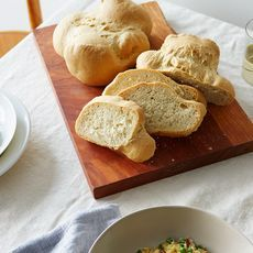 Cbf1be33-7447-412e-885b-91fc144c50fc--2016-0329_everyday-italian-tuscan-bread-italy-week_alpha-smoot_338
