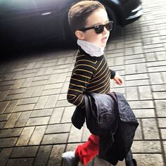 Alonso Mateo in Aviator Nation sweatshirt and pants, AllSaints jacket, Converse sneakers. Moda Instagram, Men's Fashion, Kids Fashion, Fasion, Popped Collar, Little Boy Fashion, Hollywood, Old Boys, Swagg