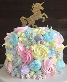 Love the colors on this cake