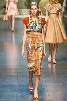 Dolce & Gabbana Spring 2013 RTW - Review - Fashion Week - Runway, Fashion Shows and Collections - Vogue - Vogue