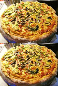 Πίτσα μάμα μία !!!!! ~ ΜΑΓΕΙΡΙΚΗ ΚΑΙ ΣΥΝΤΑΓΕΣ 2 Cookbook Recipes, Pizza Recipes, Cooking Recipes, Pizza Tarts, Greek Recipes, Vegetable Pizza, Food And Drink, Appetizers, Yummy Food